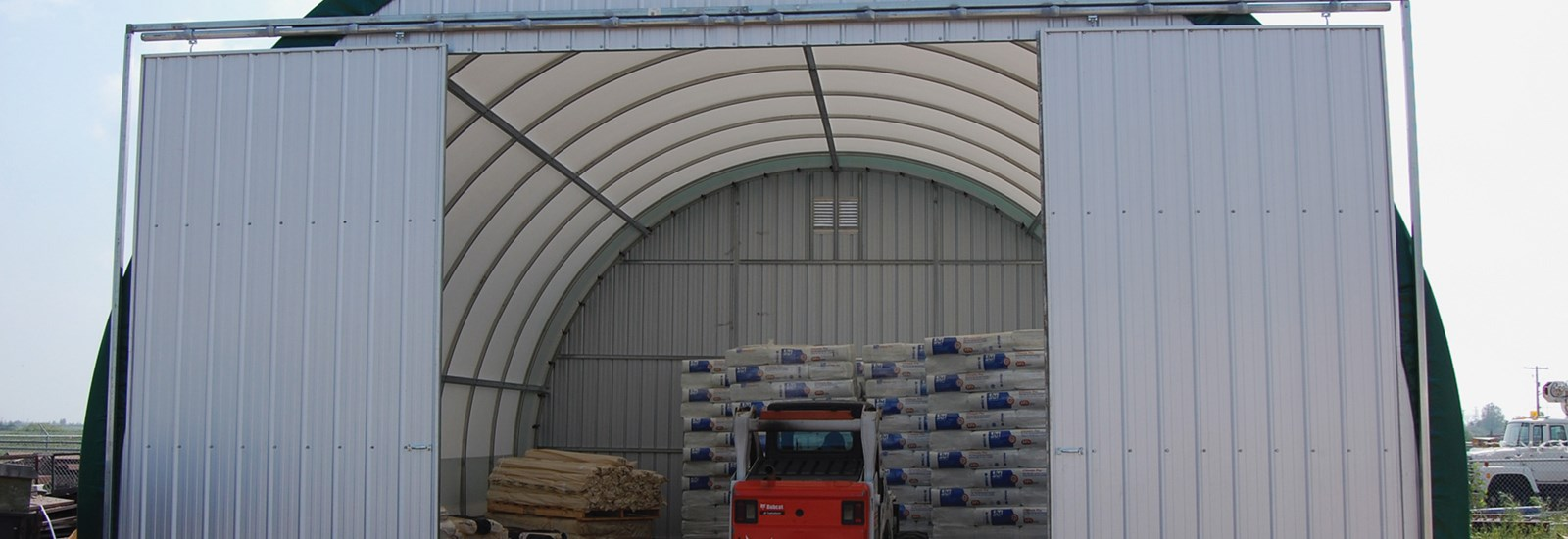 warehouse-&-cold-storage-poly-plus-insulators