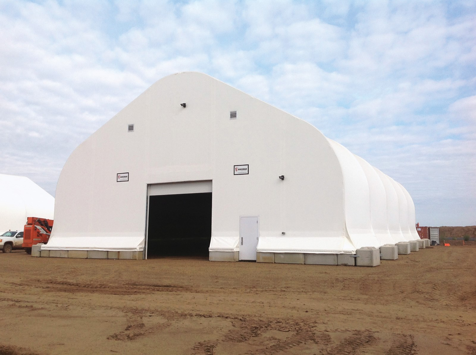 oil-gas-energy-warehouse-storage-buildings-suncor